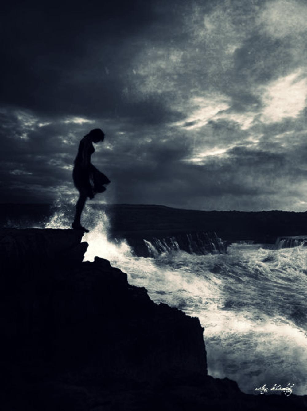 и с волны бросается головою вниз слушать носим непрозрачные